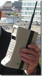 primul telefon mobil din lume- MOTOROLA-DYNATAC__N