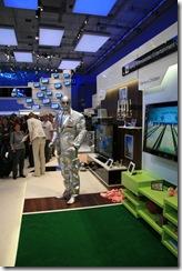 IFA 2008.OM robot. Pavilionul Samsung