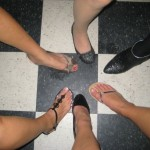 Feet-in-a-circle-on-Facebook