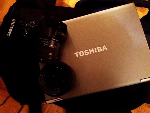 Toshiba Protege Z930 Samsung NX20 #tfb3 #komandament