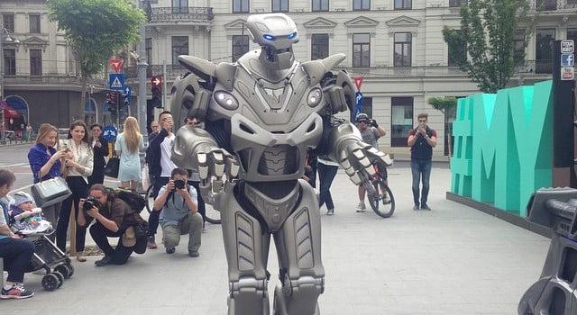 titan the robot mega mall