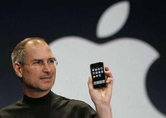 steve-jobs-iphone-launch