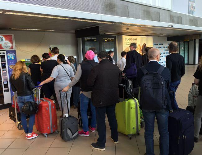 airport otopeni taxi qeueu