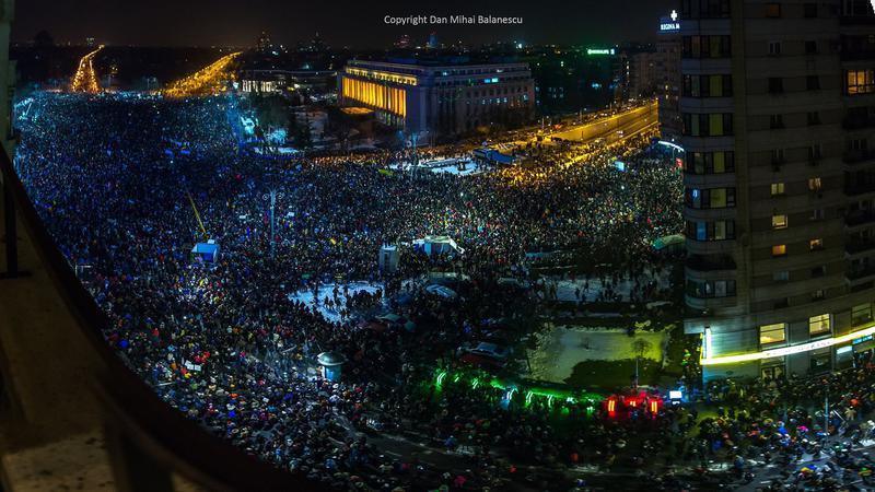 Pe 1 februarie 2017, peste 150.000 de oameni au manifestat la București împotriva deciziilor Guvernului Grindeanu/Dragnea. Este cea mai mare manifestare de protesc din 1990.