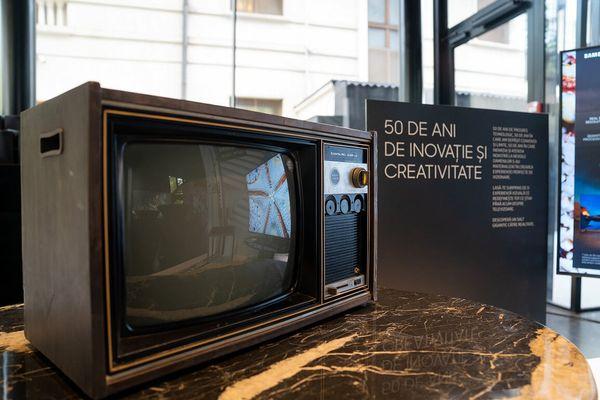 First TV Samsung